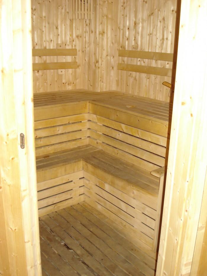 S: Sauna